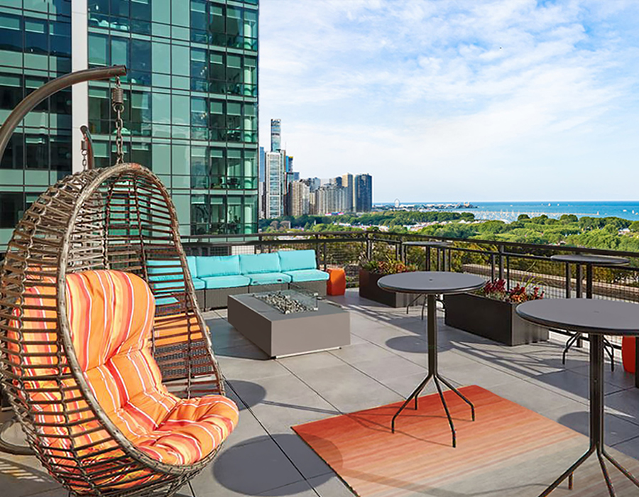 Beautiful rooftop view from 820 south Michigan Avenue apartments