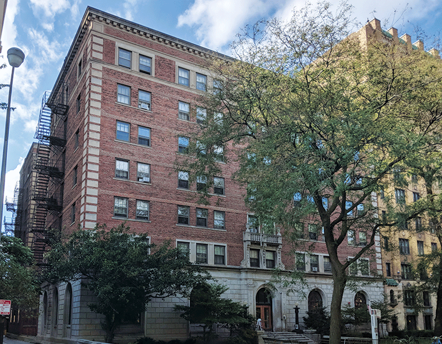 Large brick building along Hyde park street in chicago